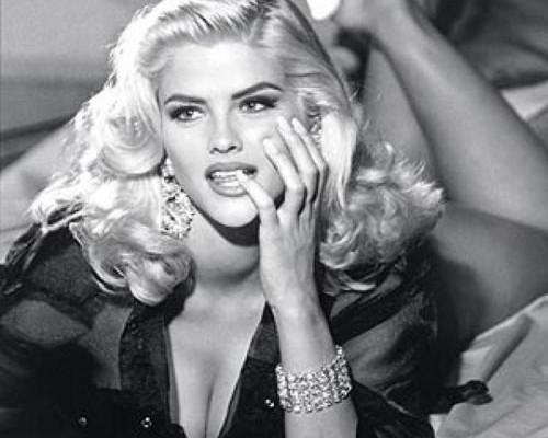 Anna Nicole Smith – Death of a Hollwood Legend