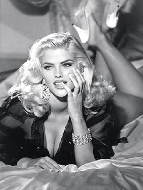 Anna Nicole Smith – Death of a Hollwood Legend