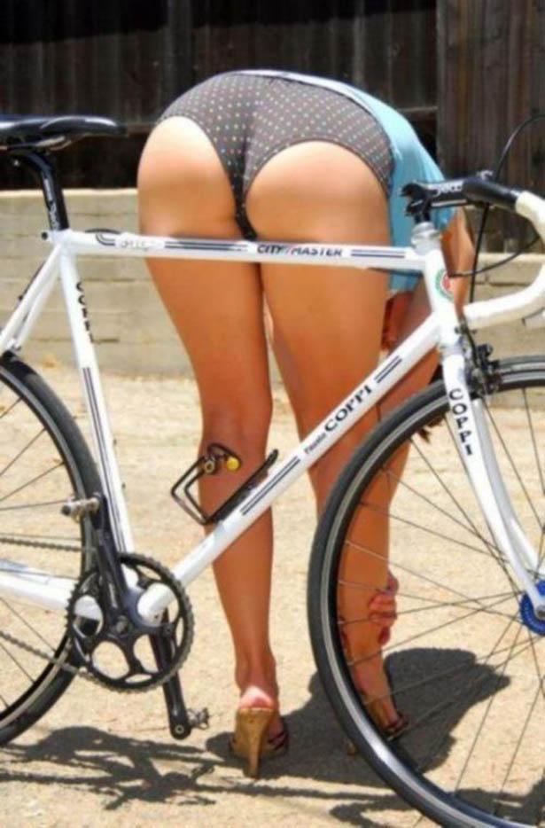 girl with amazing ass bending over on bike