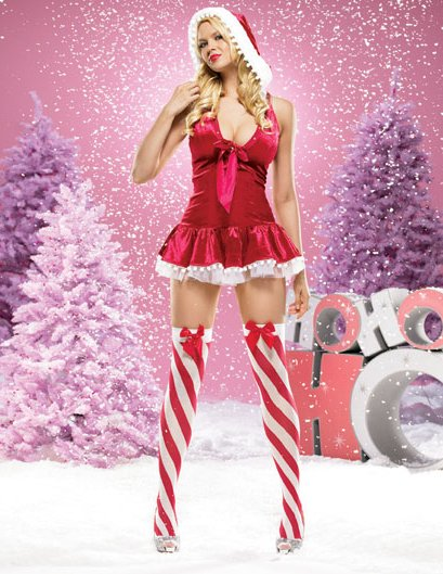 Hot Babe in Christmas Outfit 0015