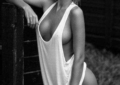 hot-girl-white-tanktop_064