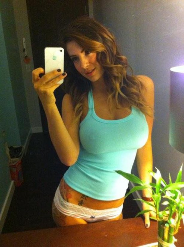 Hot Girl in Tanktop 3