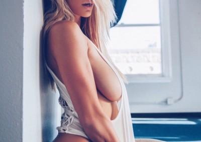 hot-girls-sideboob-tanktop_010