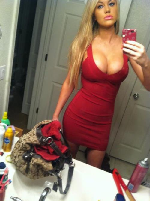 20 Hot Girls in Tight Dresses