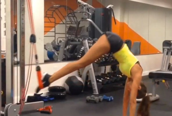 Izabel Goulart Insane Exercise Routine. You Wish You Could Do This Workout.