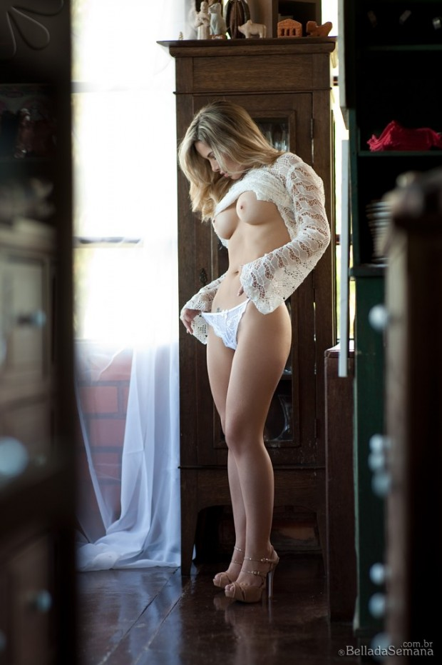 Sexy Woman in Lingerie 09
