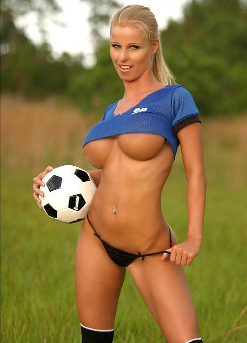world-cup-soccer-babes_013